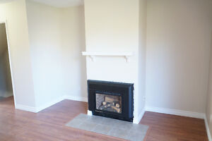 Riverbend 2 bed townhouse, First month free! Walk to daycare Edmonton Edmonton Area image 3
