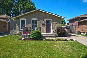 ***AMAZING SOUTH NIAGARA FALLS 4 BEDROOM 2 BATH HOME***
