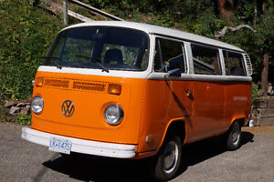 1975 VW Transporter Bus Type 2