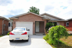 Nice 3 bedrooms house for Rent in Niagara falls! nice location!!