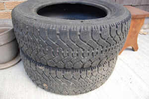 GOODYEAR NORDIC 215/60R16 à donner
