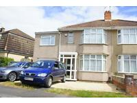 4 bedroom flat in Luckington Road, Horfield, Bristol, BS7 0UP