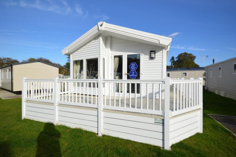 Static Caravan Nr Clacton-On-Sea Essex 2 Bedrooms 6 Berth Willerby Heathfield