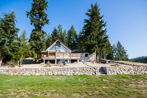 5315 Deep Creek Road, Armstrong - stunning 3000 sq ft home