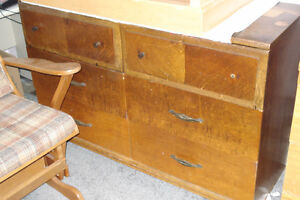Antique Dresser.   In Ex. Working Order.  All Real Wood