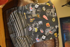 Twin NHL comforter /pillow/curtains