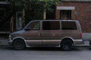 2002 Chevrolet Astro Familiale