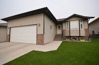 54 CARRINGTON DR. >>> OPEN HOUSE this SATURDAY (10th)