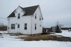 HOUSE IN SAINTE-MARIE WITH ACRES