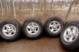 """Dodge 16"""" alloy rims with all season tires"""