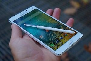 VERY GOOD CONDITION WHITE SAMSUNG GALAXY NOTE 4-32GB .