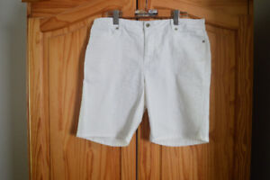 Ladies Shorts and Capris and top