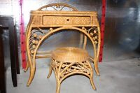TABLE de MAQUILLAGE et TABOURET ROTIN-COMMODE
