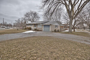 Wow! Awesome Renovated Bungalow in St. Catharines