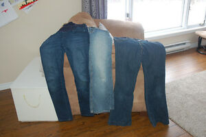 3 pairs of size small maternity jeans