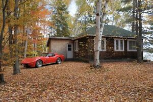 Cozy private cottage in Combermere on Madawaska River