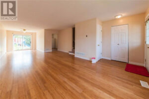 newly renovated townhouse for sale!