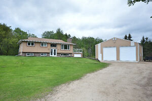 4 bedroom home with shop on 2.6 acres- 595A19 Rge Rd 444A