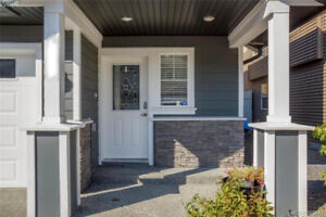 2 Bedroom Suite in a Quiet Neighbourhood (Langford)