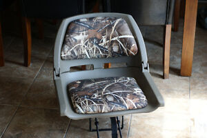 1 camouflage boat seat SOLD