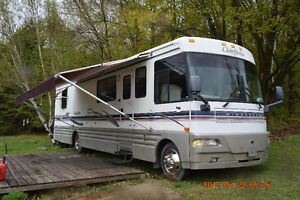 1999 Winnebago Chieftain 36L