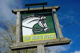 Full Time Sous Chef - Up to £22,000 per year - White Horse - Burnham Green, Hertfordshire