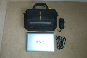 Laptop Sony VAIO like new with Office 10 Pro Plus