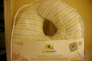 Support pillow for nursing baby