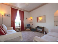 CENTRAL and IMMACULATLEY PRESENTED 1 bedroom flat available early December
