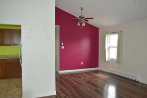 Remainder of January Rent Free! - Beautiful East End Apartment
