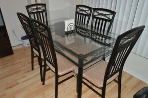 DINING/KITCHEN TABLE WITH 6 CHAIRS. PLUS MATCHING NAPKIN HOLDER!