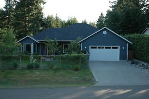 Rancher in GREAT LOCATION  Just Minutes from Courtenay and Comox