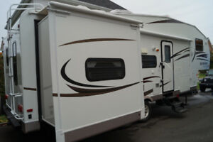 Fifth wheel Rockwood 28.5pi Signature Ultra lite 2011