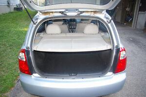 2008 Kia Spectra5 LX Hatchback Sedan Kitchener / Waterloo Kitchener Area image 2