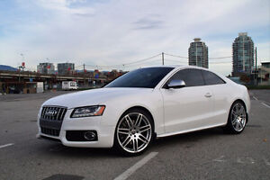 2011 Audi S5 Premium - Fully Loaded!
