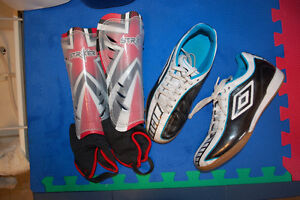 Umbro Indoor soccer shoes size 42 EUR or 8.5 US and shin guard