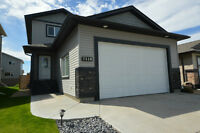 A Lovely 4bed/3.5 bath/1512 sq ft Home Completely Developed!