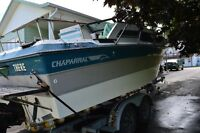 !989 Chaparral 23 foot Signiture Boat