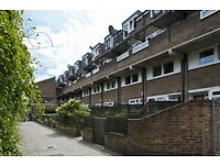 3 bedroom flat in Paynes Walk, Hammersmith, W68