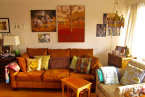Sublet: Beautiful Furnished 1 bedroom apartment in James Bay