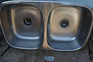 Stainless double sink in excellen condition
