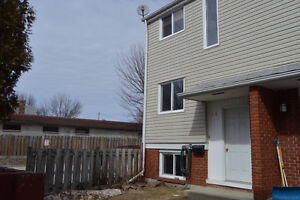 New Listing! 604 Banner Ave Unit 12