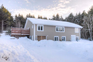 Make This House Your Own 20 Mins from the City - McLeod Hill