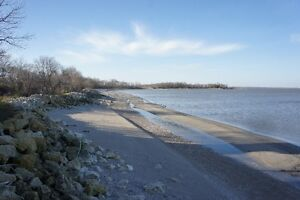 Beautiful Lakefront Lot on Lake Winnipeg