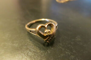 10K Heart Ring Size 6 .25Ct Diamonds