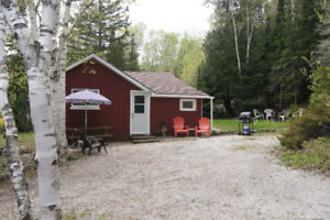 Cozy, clean, private cabin in Dyers Bay!