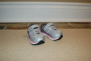 Champion Running Shoes - Size 3 *NEW*
