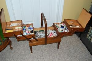 Vintage Sewing Box/Basket Cornwall Ontario image 3