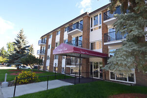Southgate Court - Huge 2 BDR - 3 min Walk to Mall and LRT