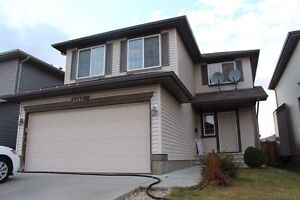 HOUSE FOR RENT IN SOUTHSIDE WILDROSE EDMONTON Ready to move in.
